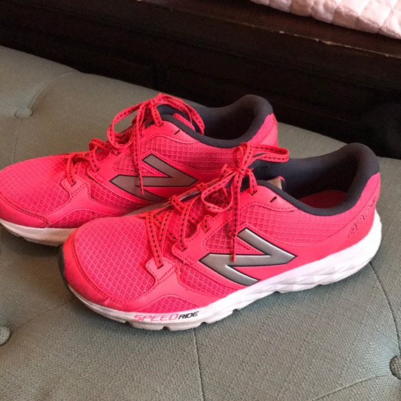 New Balance Shoes | Size 9 Hot Pink